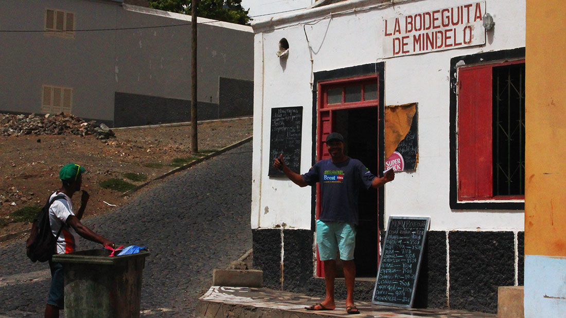 La Bodeguita restaurant Mindelo with the owner
