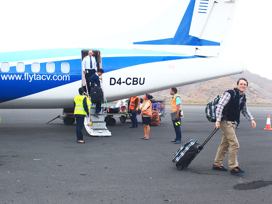 Cabo Verde local flights with TACV